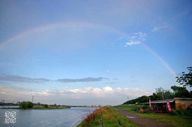14.たぬきやに虹.jpg
